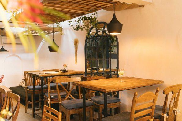 Santorino coffee & veggies interior design