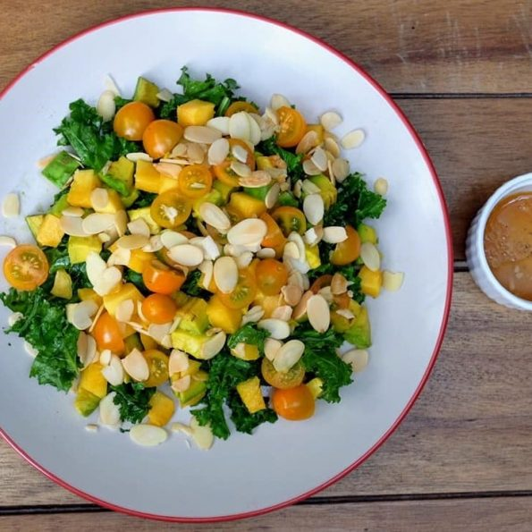 Salad kale sunrise - By Santorrino coffee & veggies
