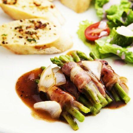 Măng tây canh cuộn thịt xông khói - Santorino Coffee & Veggies