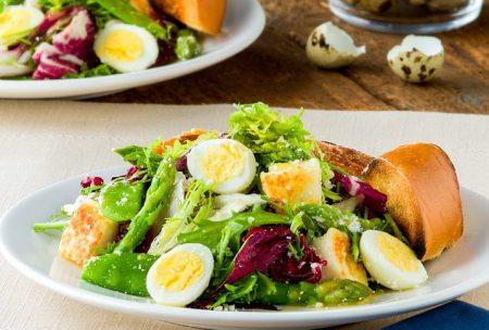 Salad trứng cút - Santorino Coffee & Veggies Healthy Lifestyles