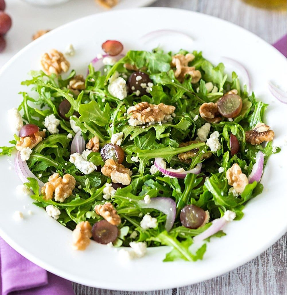 Rocket and Walnut Salad - Santorino coffee & Veggies