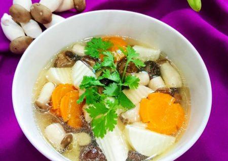 Canh nấm đậu hũ măng củ Santorino Coffee & Veggies