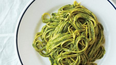 pesto with spaghetti - Santorino Coffee & Veggies