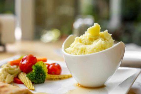 Món ăn dặm cho bé cùng khoai tây baby đỏ - Santorino Coffee & Veggies Healthy Lifestyles