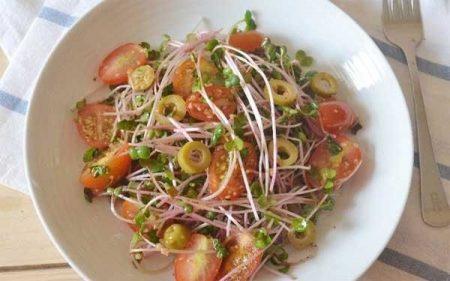 Salad rau mầm kèm giấm - Santorino Coffee & Veggies