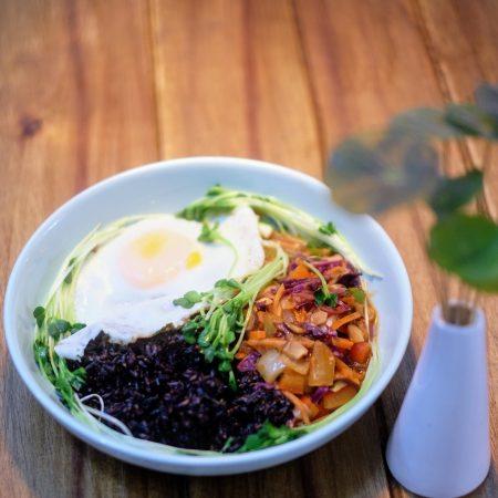 Món chay với gạo nếp than - Món mới hòn đảo bí ẩn