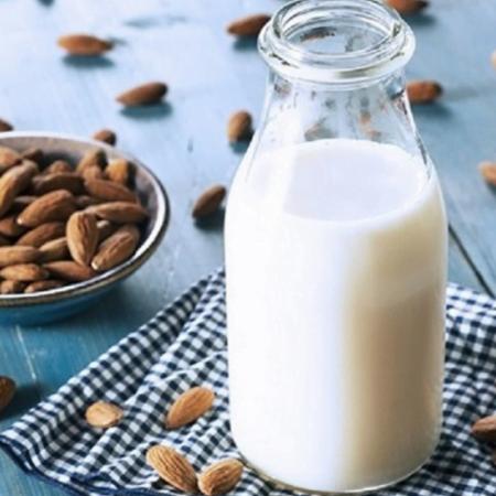sua hat nhan - almond milk
