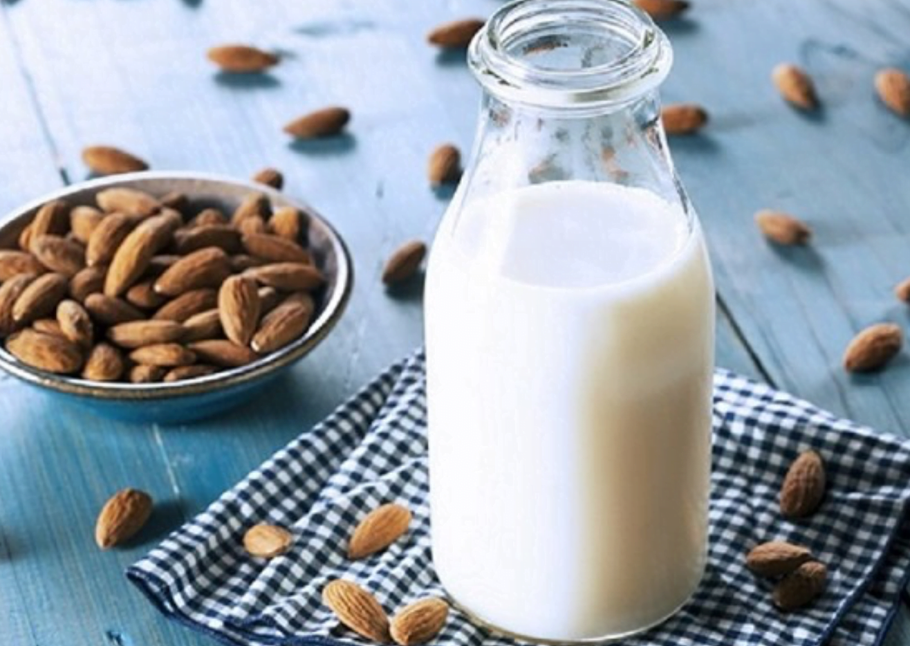 sua hat nhan – almond milk