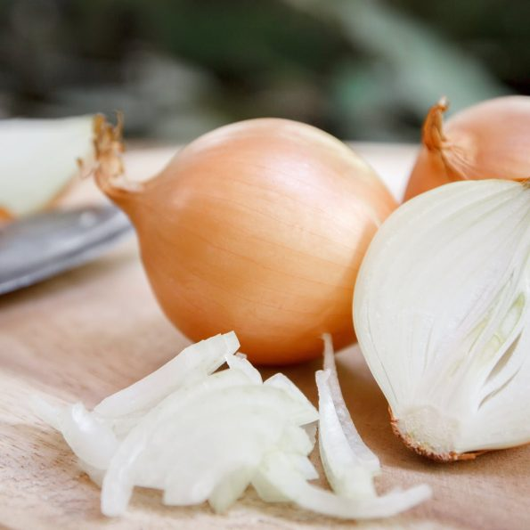 Hanh-tay-health-benefits-of-yellow-onion-chop-no-cry