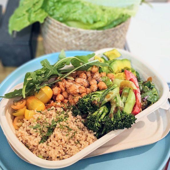 SNAS 3: Tô salad thuần chay truyền thống đậu gà