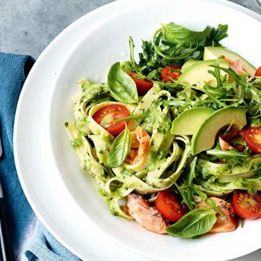 Các công thức làm Salad bơ chuẩn chỉnh béo ngậy